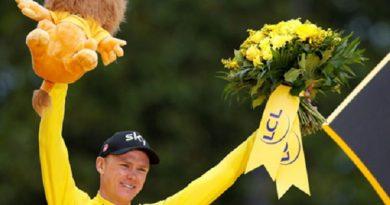 Áo vàng Tour de France 2017 mang nhẫn giúp khán giả cầu hôn