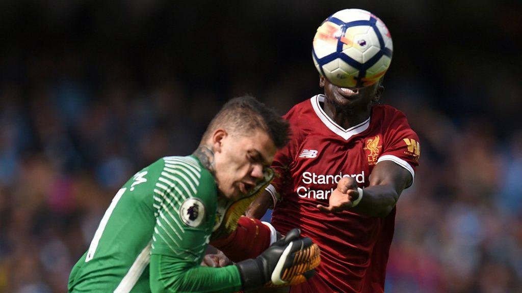 Tấm thẻ đỏ của Mane khiến Liverpool nhanh chóng sụp đổ trước Man City.
