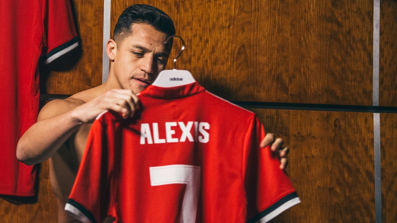 Sanchez tới Man United vì cảm thấy được yêu thương