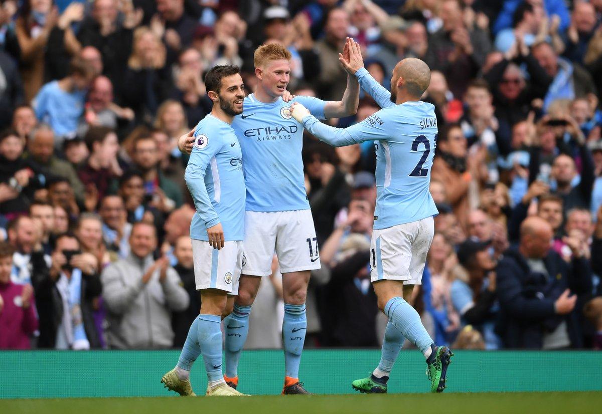 Man City có thêm nhiều thành tích tại Premier League