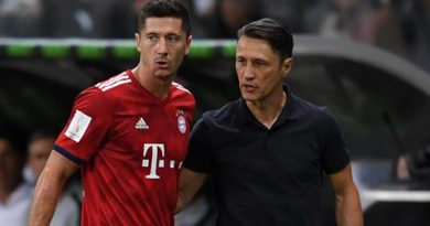 Thua trận Lewandowski lên tiếng phê phán chiến thuật của Kovac