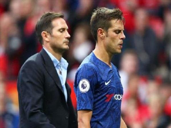 Chelsea khởi đầu thất vọng với nhiều chỉ trích