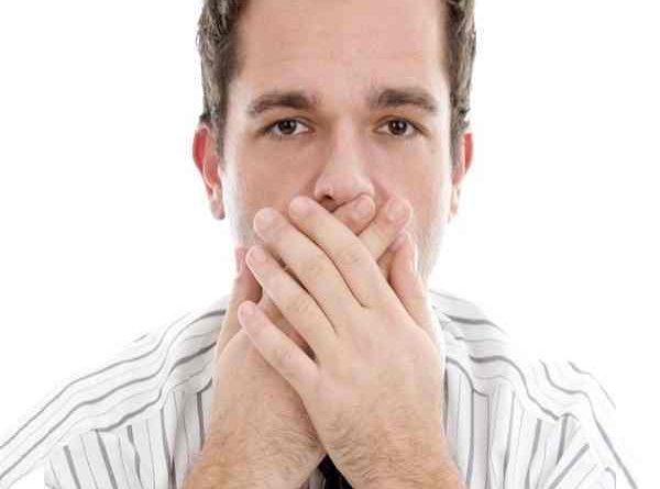 Giãi mã điềm báo khi bị nấc và cách chữa nấc
