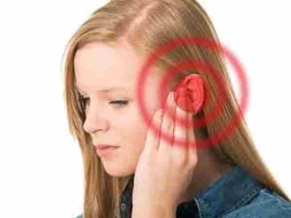 Nóng tai trái là điềm báo gì, nên đánh số đề nào?