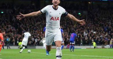 Chuyển nhượng 2/4: Tottenham hét giá bán Kane