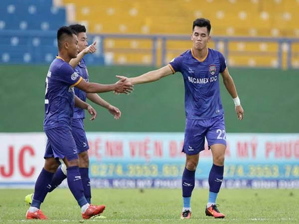 Cơm mưa bàn thắng đầy choáng váng ở V-League