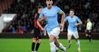 Chuyển nhượng bóng đá 24/11: Barca quyết tâm mua hậu vệ Man City