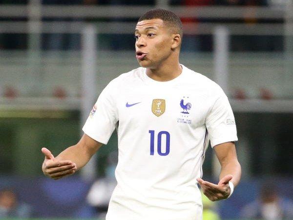 Chuyển nhượng 12/10: PSG tự tin giữ được Mbappe